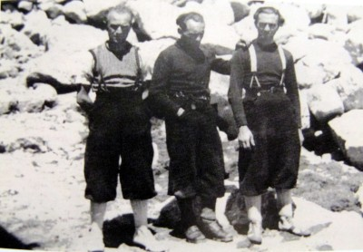 1937-Esposito-Cassin-and-Ratti-after-the-first-ascent-on-the-Noth-East-face.-Sad-faces-for-the-death-of-Molteni-and-Valsecchi-during-the-descent-by-the-south-side.jpg